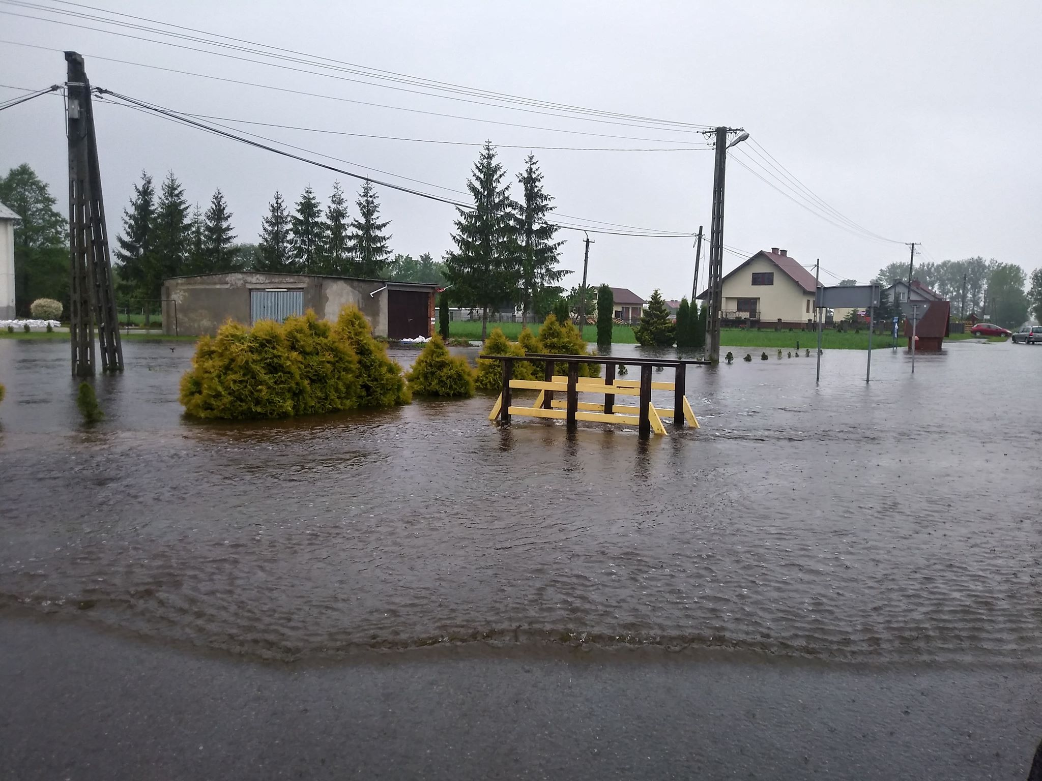 [AKTUALIZACJA] Powódź w gminie Czermin. Ostrzeżenie dla mieszkańców [FOTO, VIDEO] - Zdjęcie główne