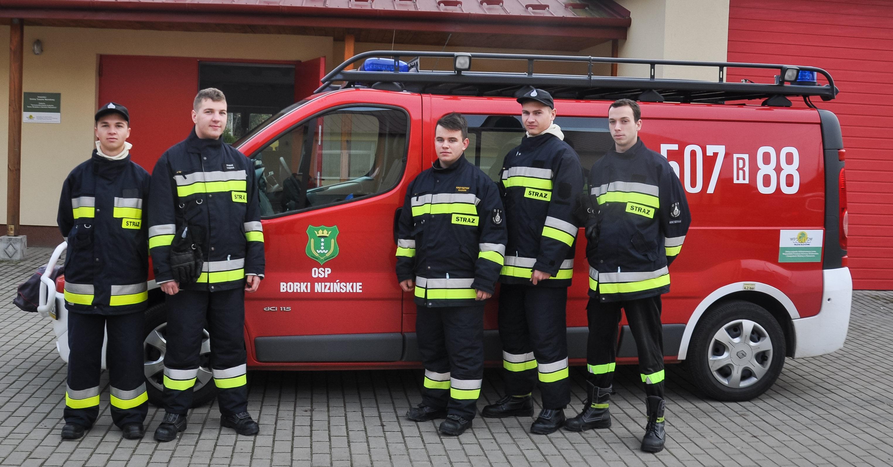 58 nowych strażaków zasili jednostki powiatu mieleckiego! [FOTO] - Zdjęcie główne
