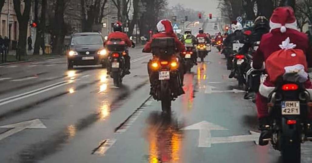 Mikołaje na motocyklach pędzili z pomocą  - Zdjęcie główne