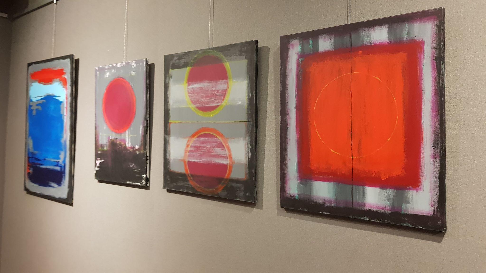 Geometryczne malarstwo Marcina Lubery w Galerii ESCEK w Mielcu - Zdjęcie główne