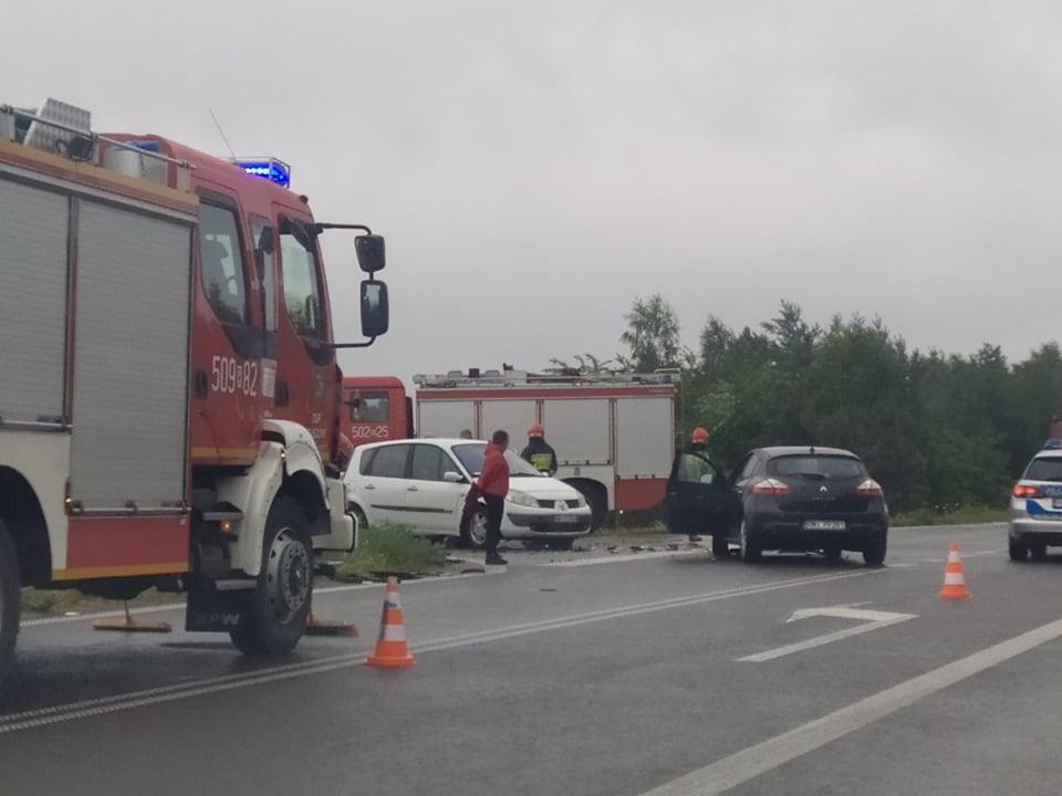 Zderzenie trzech aut. Jedna osoba trafiła do szpitala!  - Zdjęcie główne