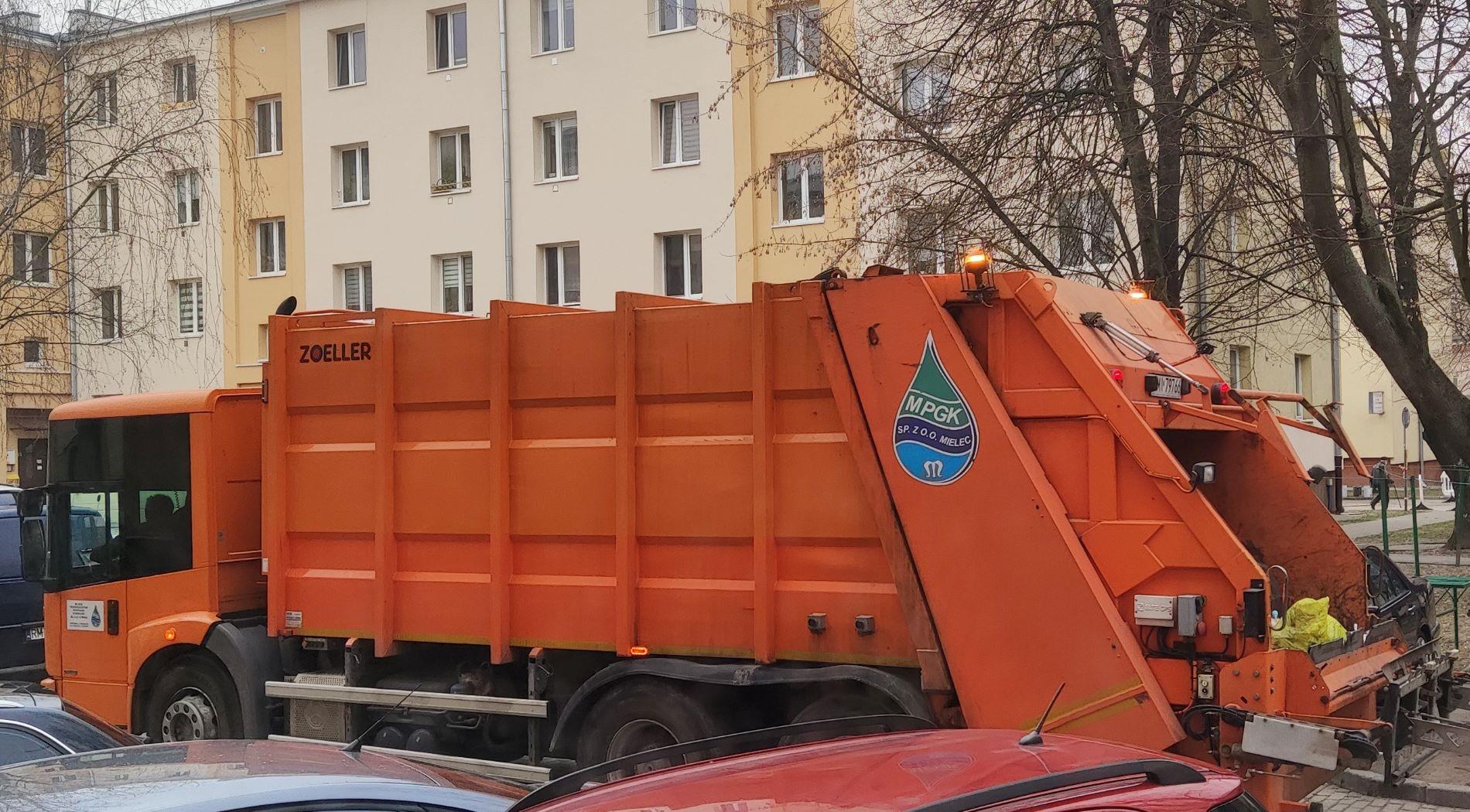 Przetarg na odbiór śmieci w Mielcu. Jest oświadczenie firmy FCC Tarnobrzeg - Zdjęcie główne