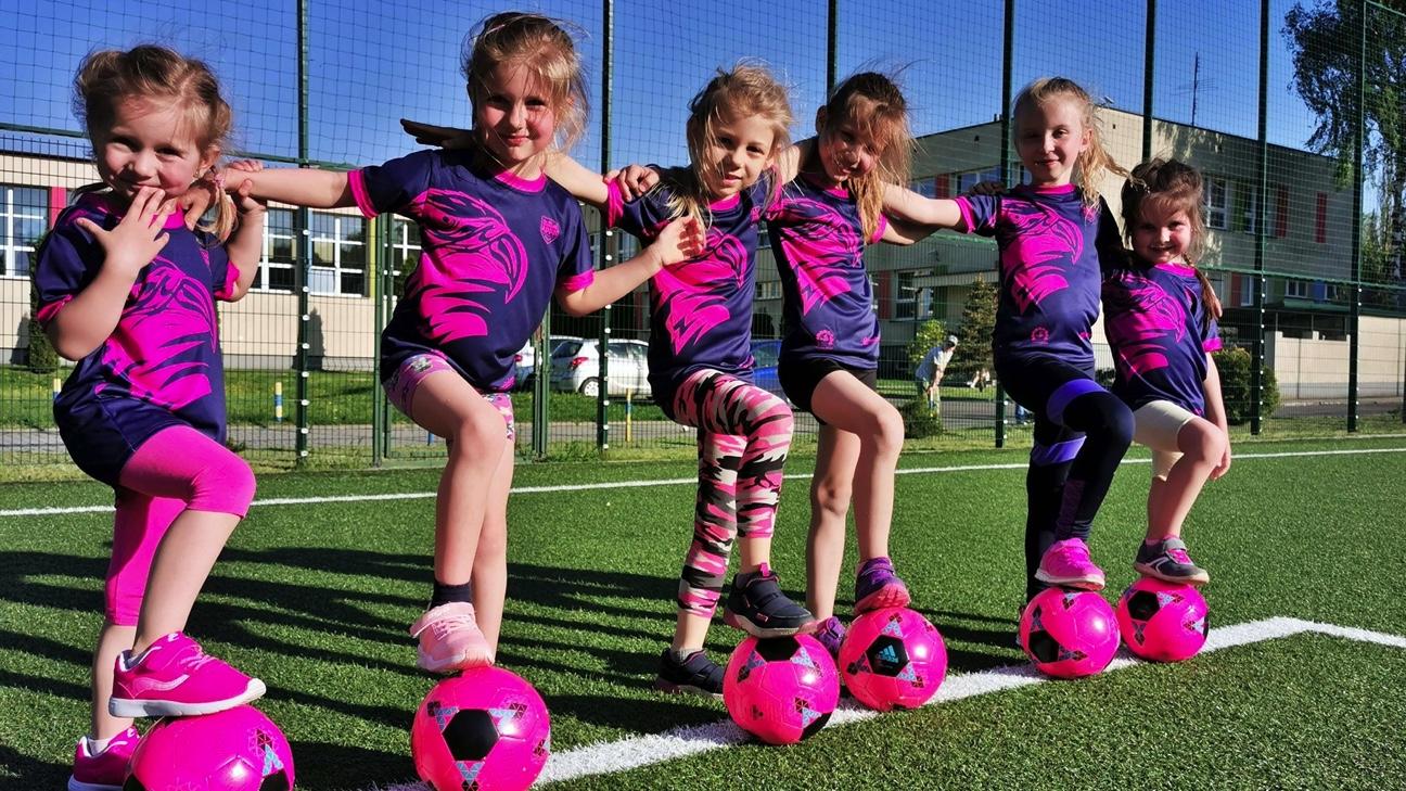 Piłka nożna dla wszystkich. W Piłkarskich Nadziejach Mielec trenują również dziewczynki. Trwają zapisy na treningi - Zdjęcie główne