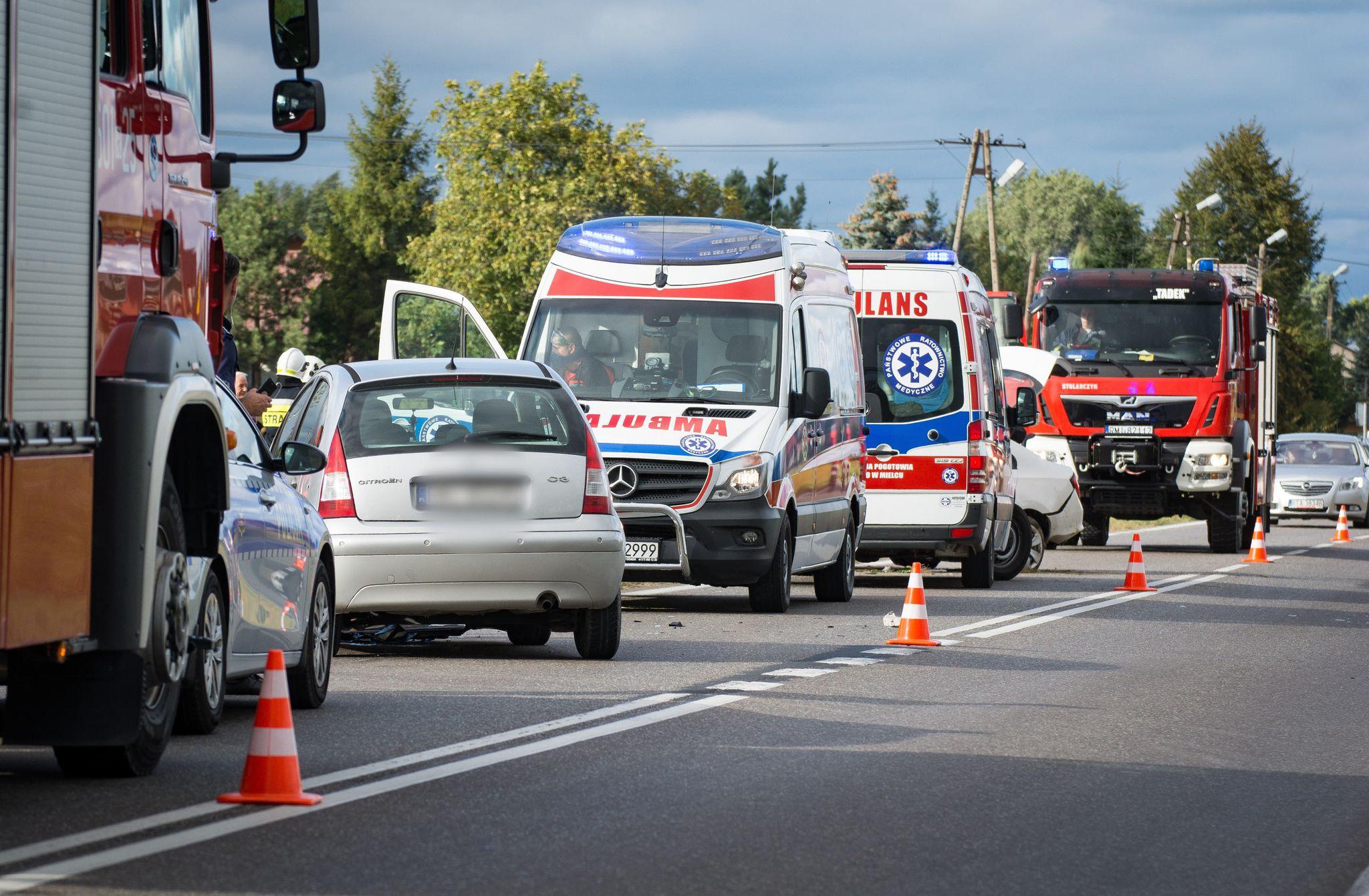 Wypadek w Padwi Narodowej. Dwie osoby trafiły do szpitala! [FOTO, VIDEO] - Zdjęcie główne