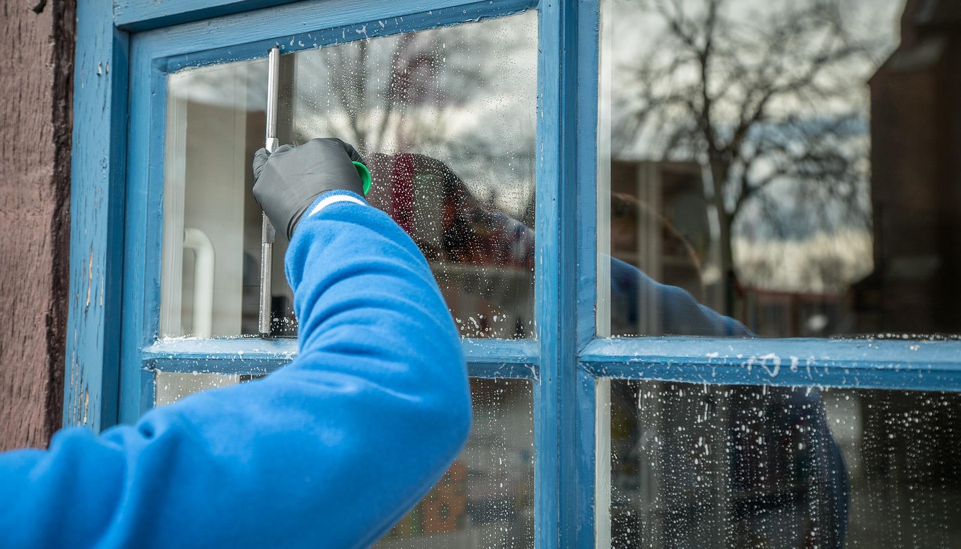 Myjemy okna z przymrużeniem oka - Zdjęcie główne
