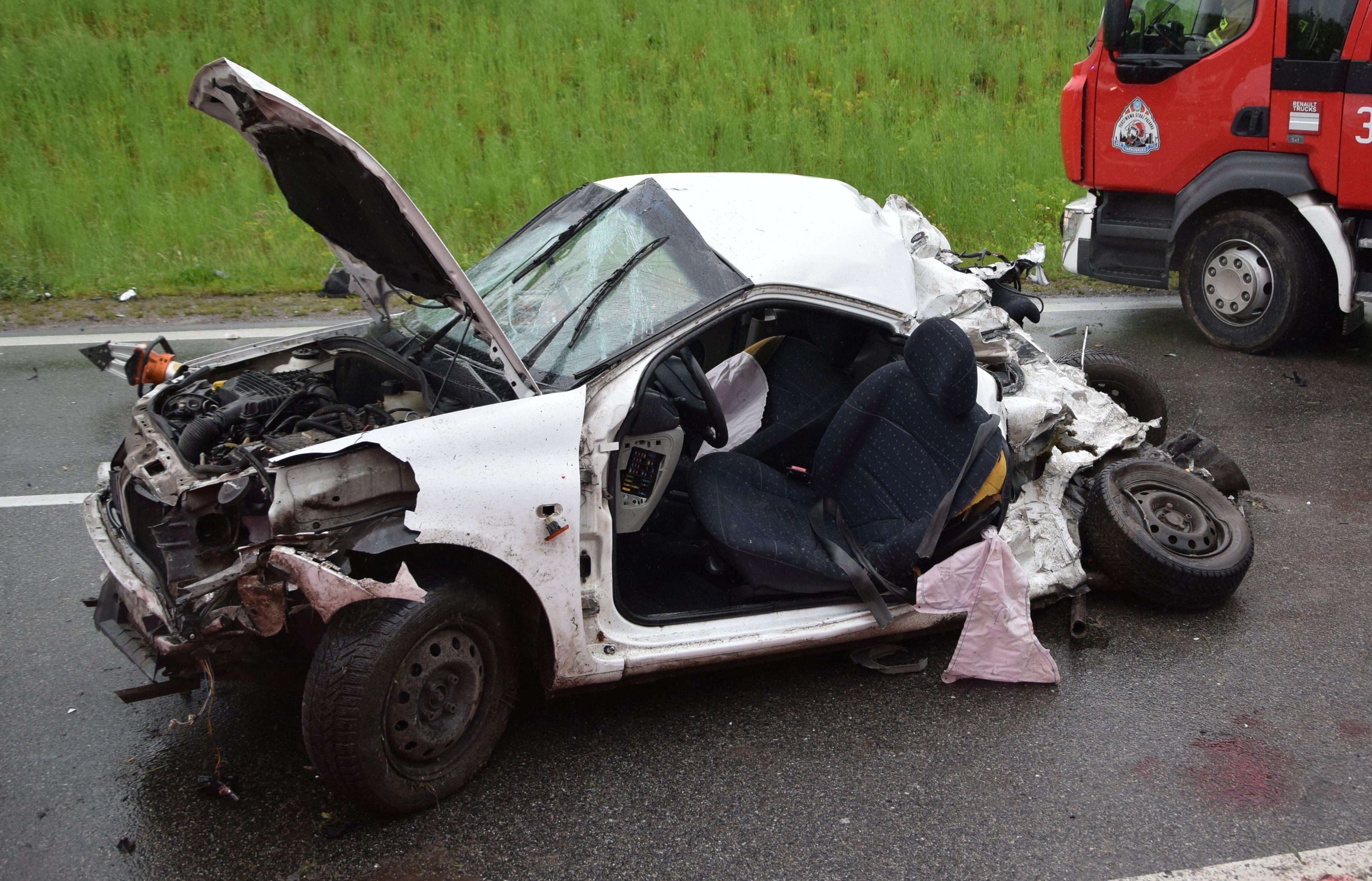 Tragedia na drodze Mielec - Tarnobrzeg. W wypadku zginęło malutkie dziecko. Droga zablokowana! - Zdjęcie główne
