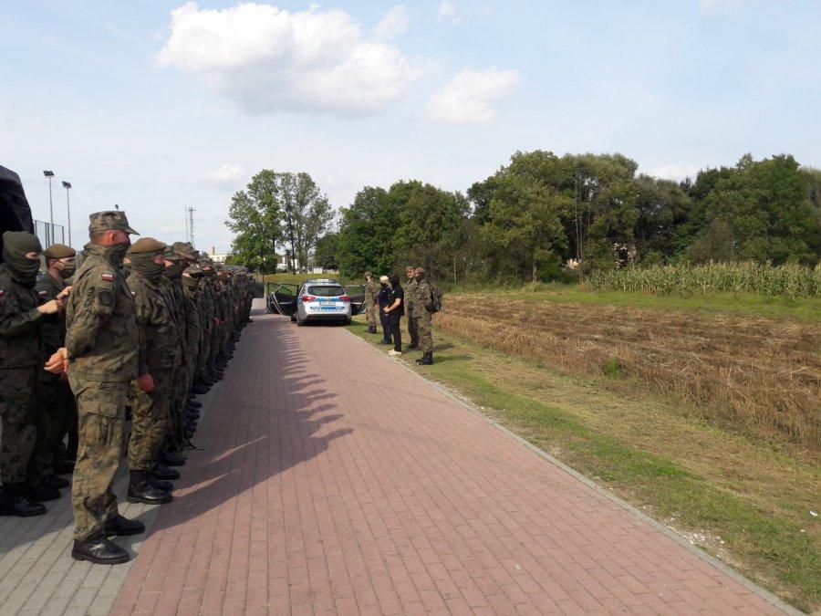 Policjanci szkolili żołnierzy Wojsk Obrony Terytorialnej - Zdjęcie główne