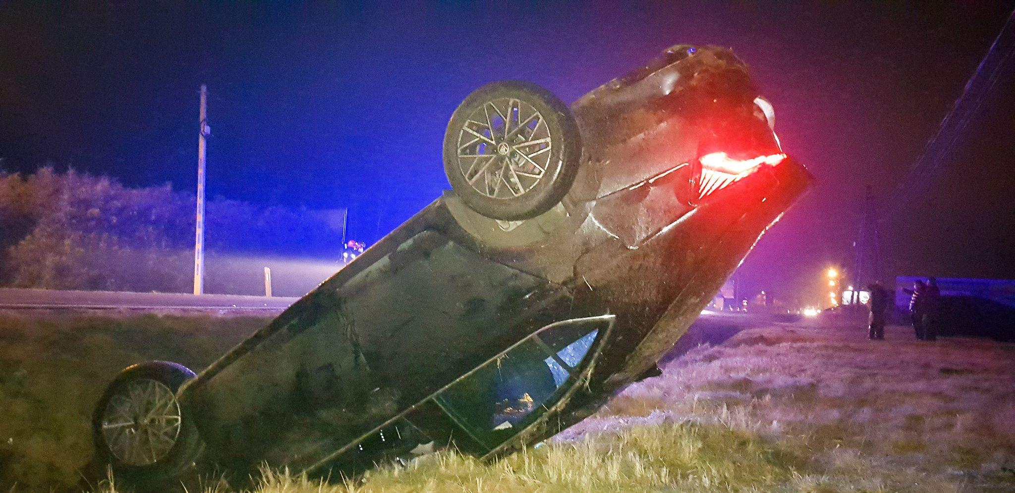 Dachowanie i ranni. Zderzenie dwóch pojazdów koło Mielca [FOTO] - Zdjęcie główne