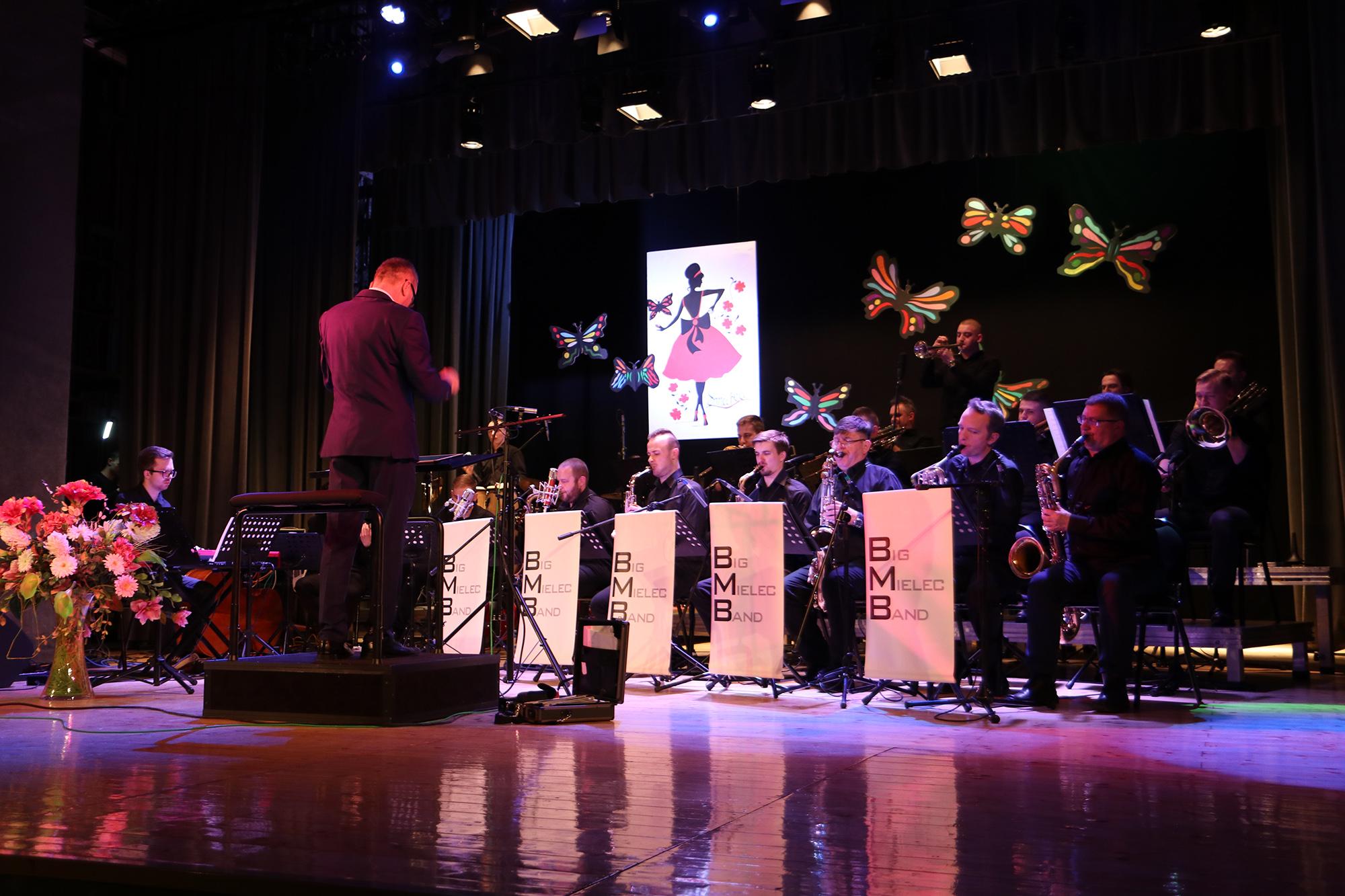 Big Band Mielecki zagra specjalnie na dzień kobiet! [ZDJĘCIA] - Zdjęcie główne