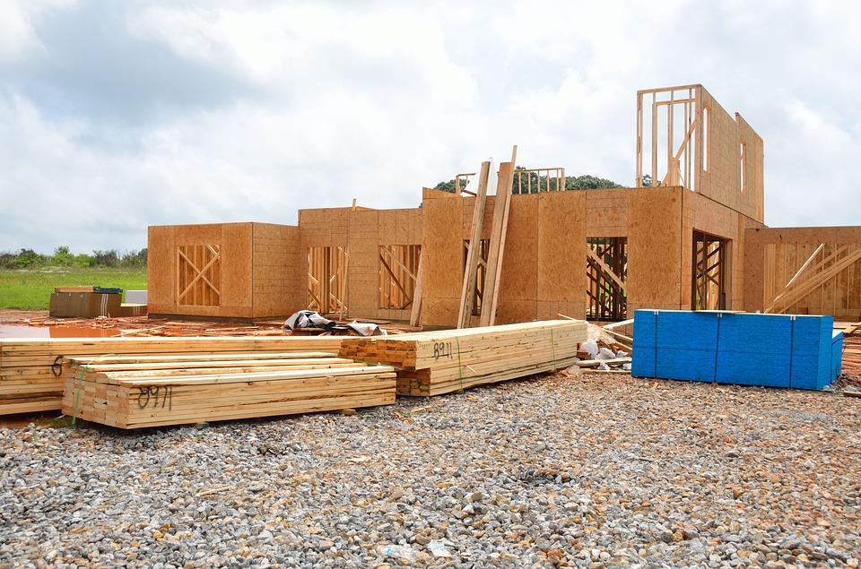 Tragedia na budowie. Ściana zawaliła się na robotnika - Zdjęcie główne