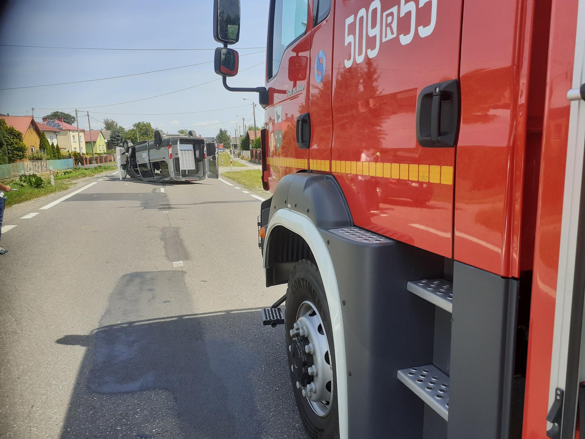 Wypadek w Padwi Narodowej. Policja zorganizowała objazdy - Zdjęcie główne