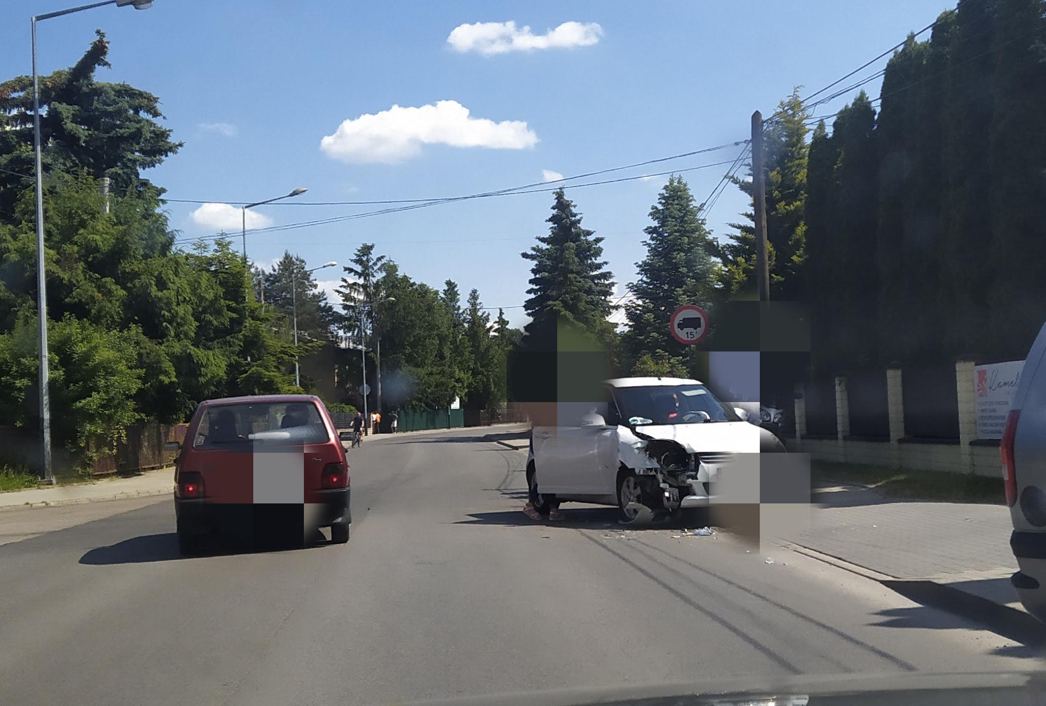 Kolizja na skrzyżowaniu - Zdjęcie główne