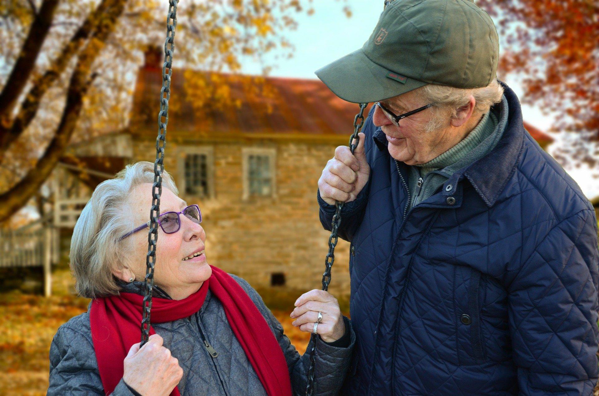 Osoby 60 plus   będą zapraszane na szczepienia.  Jak będzie wyglądał  cały proces - Zdjęcie główne