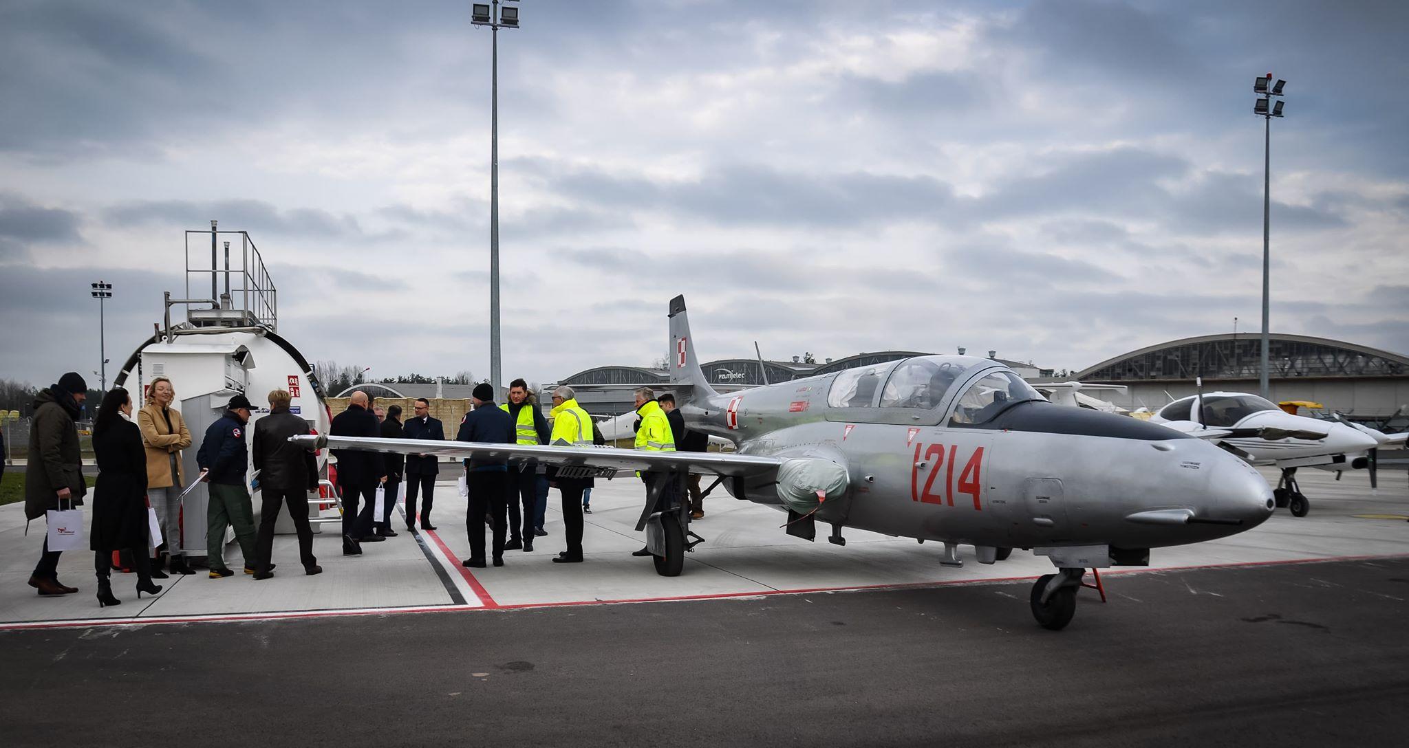 Na lotnisku w Mielcu można już zatankować samolot! [VIDEO] - Zdjęcie główne