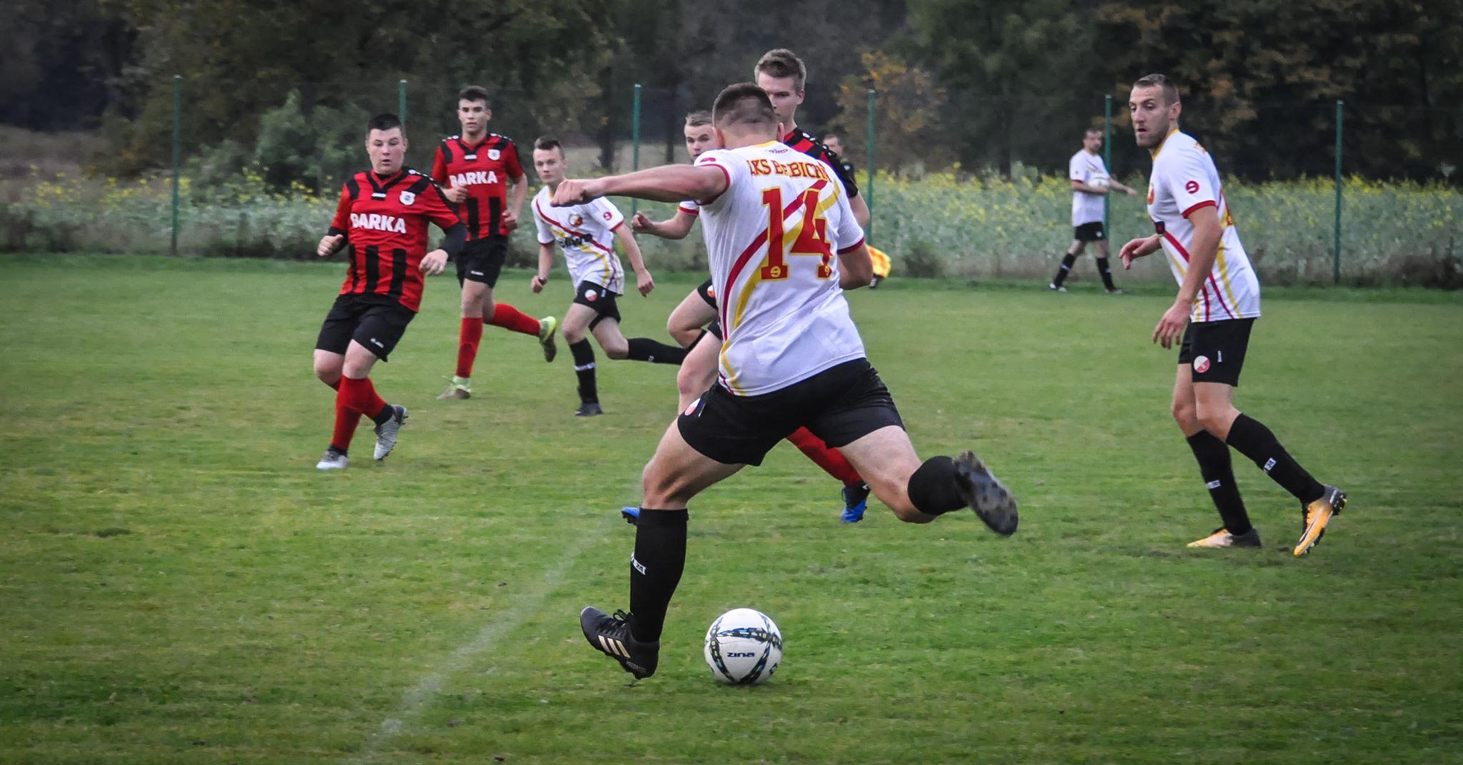 Piłkarska A klasa: pewna wygrana Babichy! [FOTO] - Zdjęcie główne