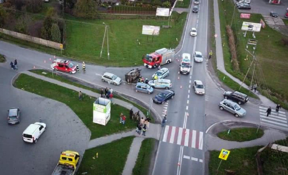 Zderzenie 4 aut na drodze Mielec - Radomyśl Wielki! [FOTO] - Zdjęcie główne