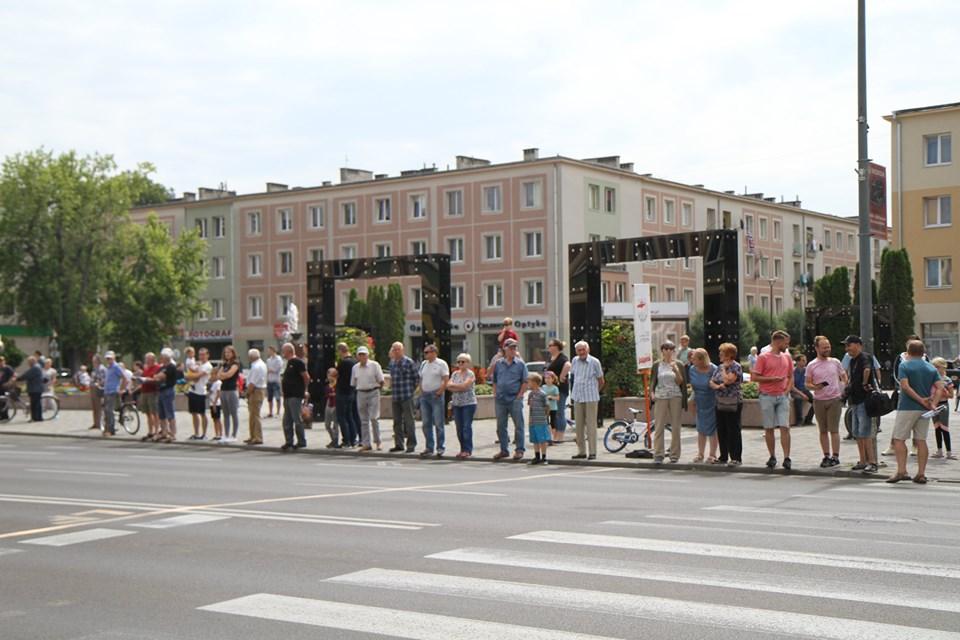Lotny finisz znanego wyścigu kolarskiego w Mielcu [FOTO, VIDEO] - Zdjęcie główne