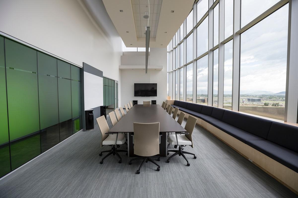Wybór krzeseł tapicerowanych - Zdjęcie główne