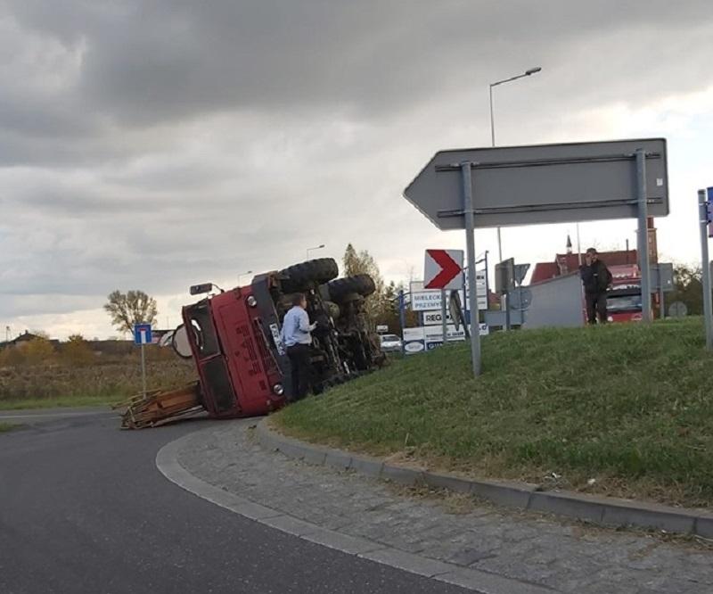 Problemy na wyjeździe z Mielca w stronę Dębicy! Wypadek - Zdjęcie główne