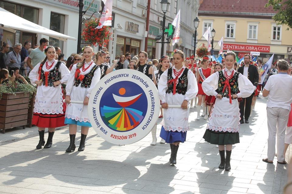 Zespoły polonijne już w stolicy Podkarpacia! Rusza festiwal!  - Zdjęcie główne