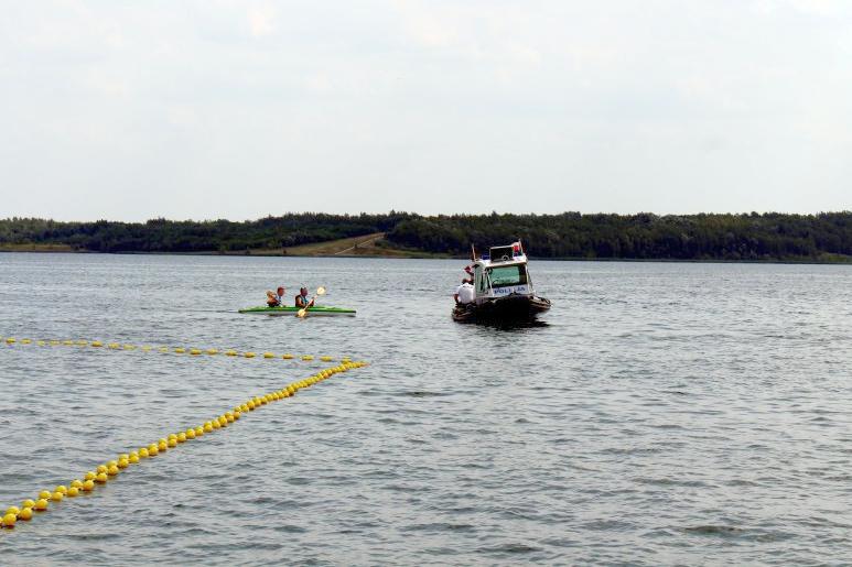 Nad jeziorem Tarnobrzeskim policja dba o bezpieczeństwo plażowiczów - Zdjęcie główne