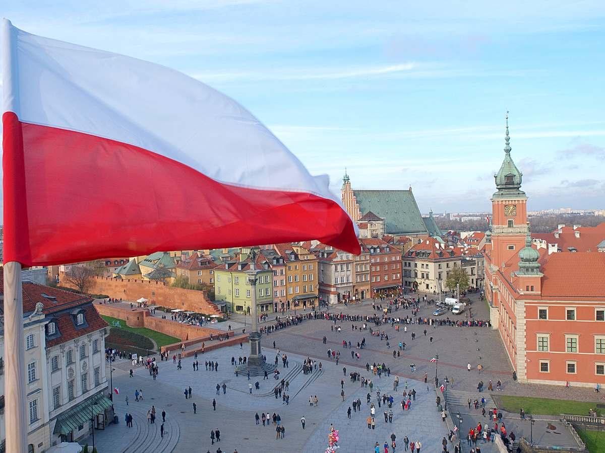 Flaga, godło i hymn Polski przejdą kosmetykę. Zmiany jeszcze w tym roku - Zdjęcie główne