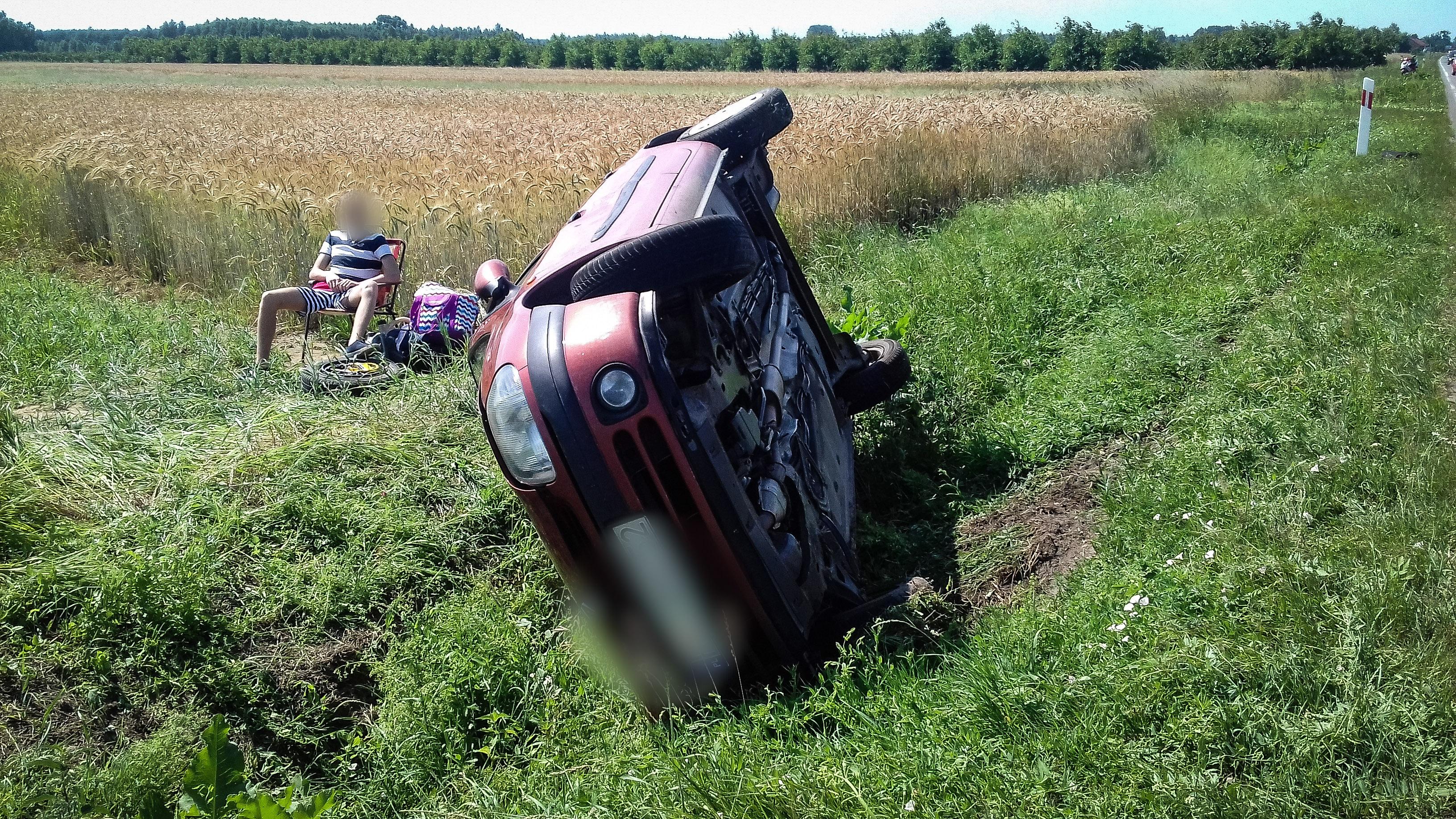 Wypadek! Duże utrudnienia na drodze Mielec - Tarnobrzeg w miejscowości Padew Narodowa - Zdjęcie główne