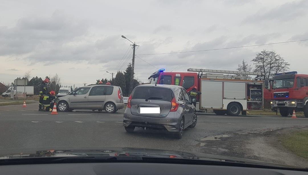 Zderzenie w Woli Mieleckiej. Utrudnienia na trasie Mielec - Tarnów  - Zdjęcie główne