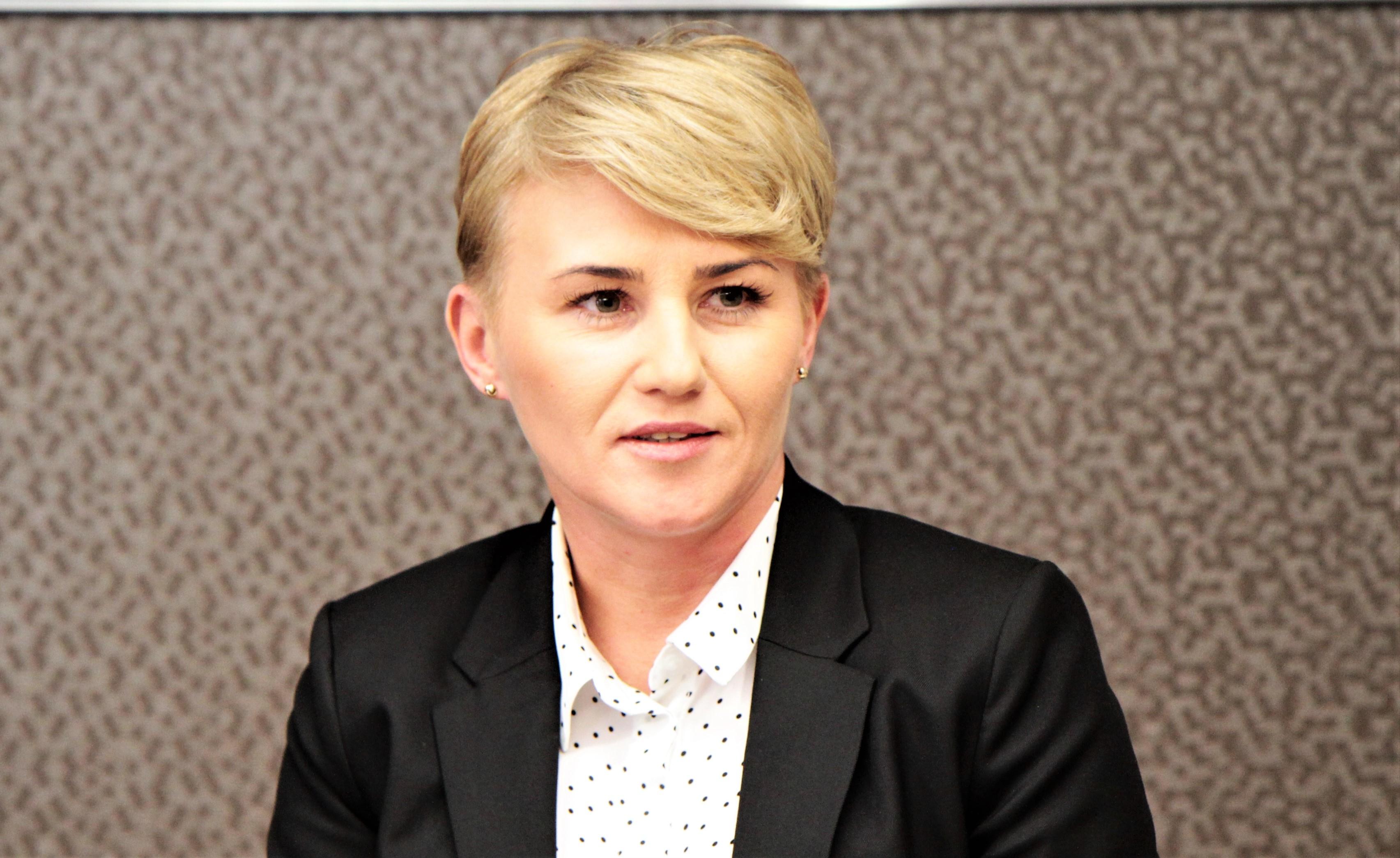 """Wiceprezydent Adriana Miłoś w szczerym wywiadzie na temat sportu w mieście. """"Czekamy na ruch FKS-u""""  - Zdjęcie główne"""