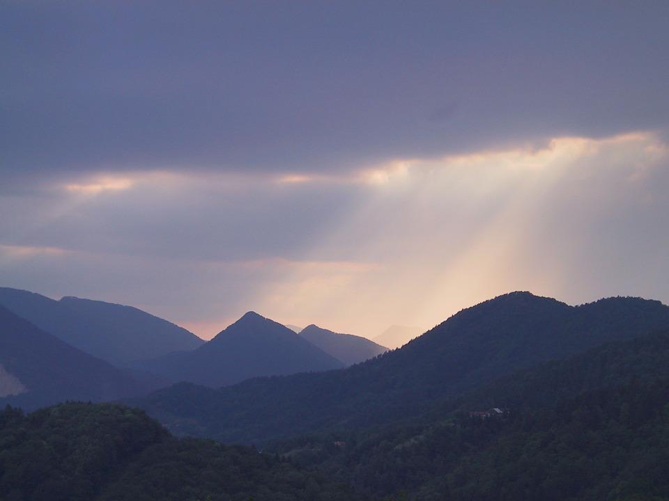 Co robić, gdy burza zastanie nas w górach? - Zdjęcie główne