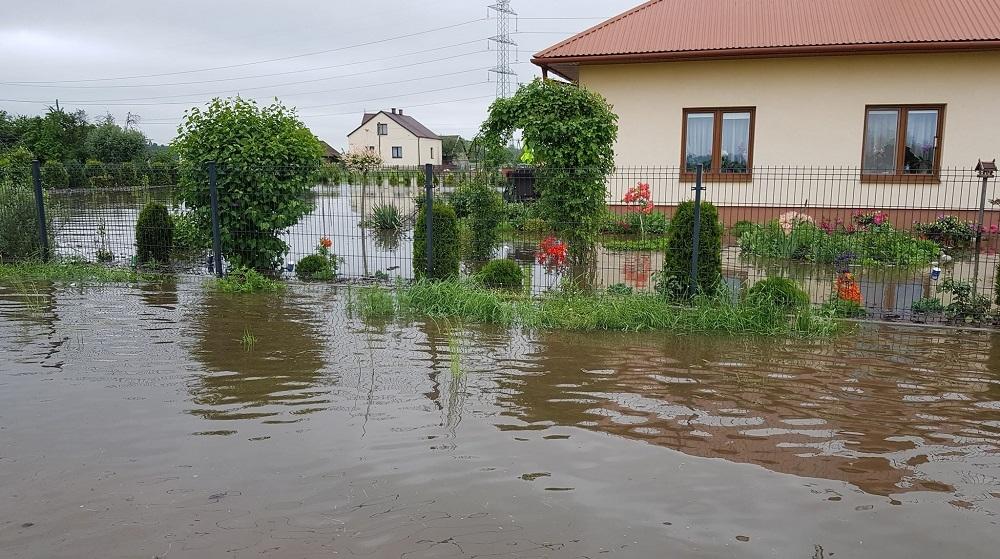 PiS będzie pomagać powodzianom - Zdjęcie główne