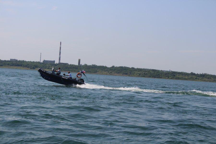 Trwają poszukiwania mężczyzny na jeziorze Tarnobrzeskim - Zdjęcie główne