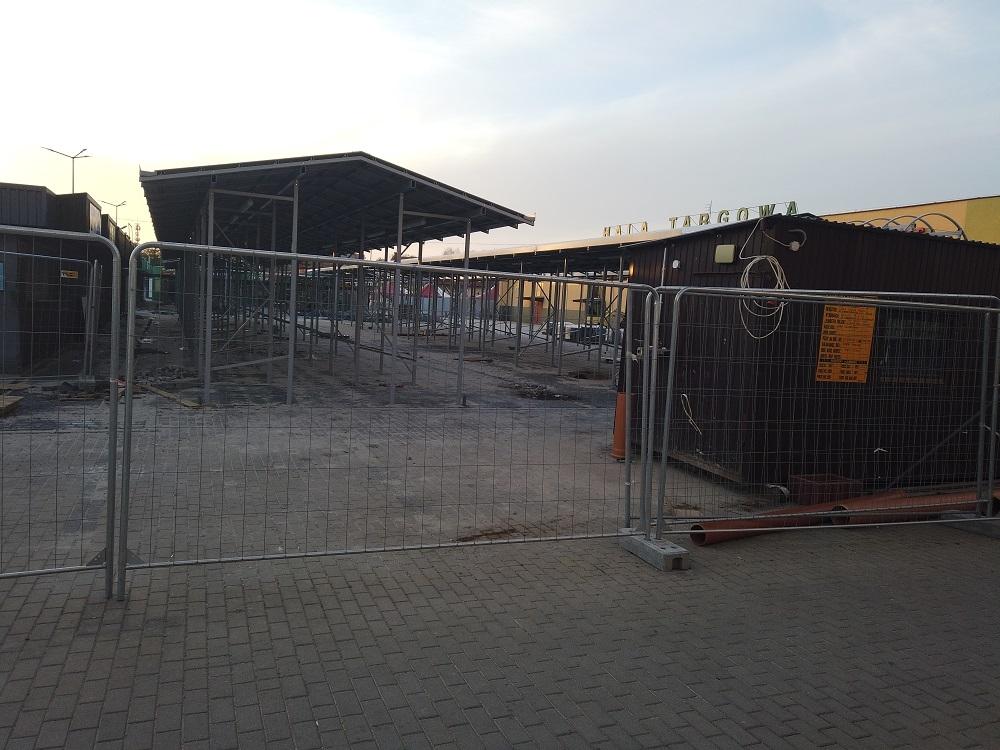 Modernizacja placu targowego w Mielcu bez problemów. Możliwe wcześniejsze zakończenie inwestycji [FOTO, VIDEO] - Zdjęcie główne