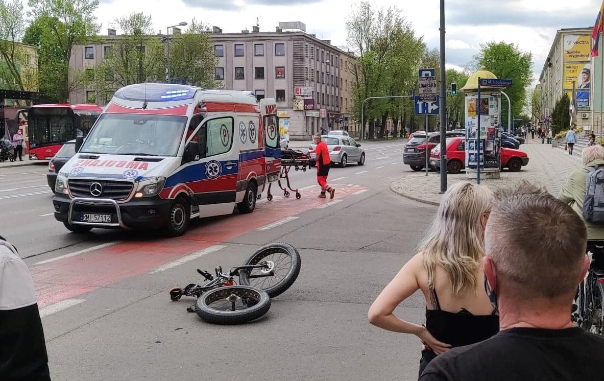 Potrącony rowerzysta koło Domu Kultury w Mielcu [ZDJĘCIA] - Zdjęcie główne