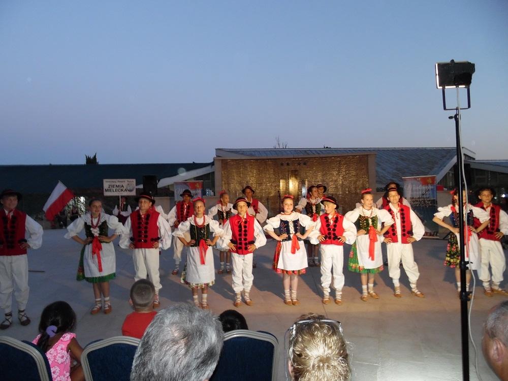 Mali artyści z powiatu mieleckiego tańczyli na południu Europy - Zdjęcie główne