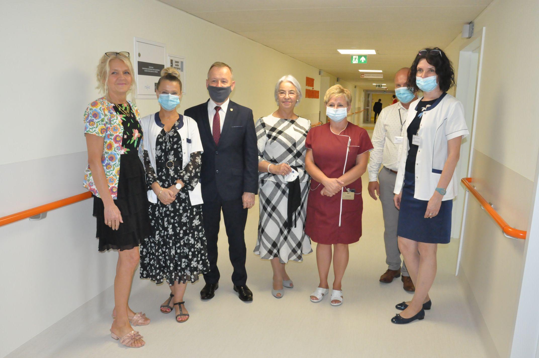 Nowe oblicze wyremontowanego oddziału położniczo-noworodkowego w Mielcu. Zobacz jak wygląda [FOTO] - Zdjęcie główne