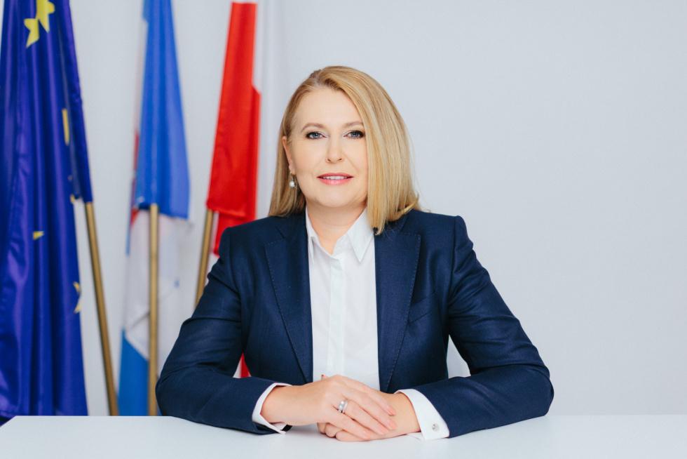 Stracimy miliardy euro na inwestycje przez weto budżetu Unii Europejskiej - wylicza europoseł Elżbieta Łukacijewska - Zdjęcie główne