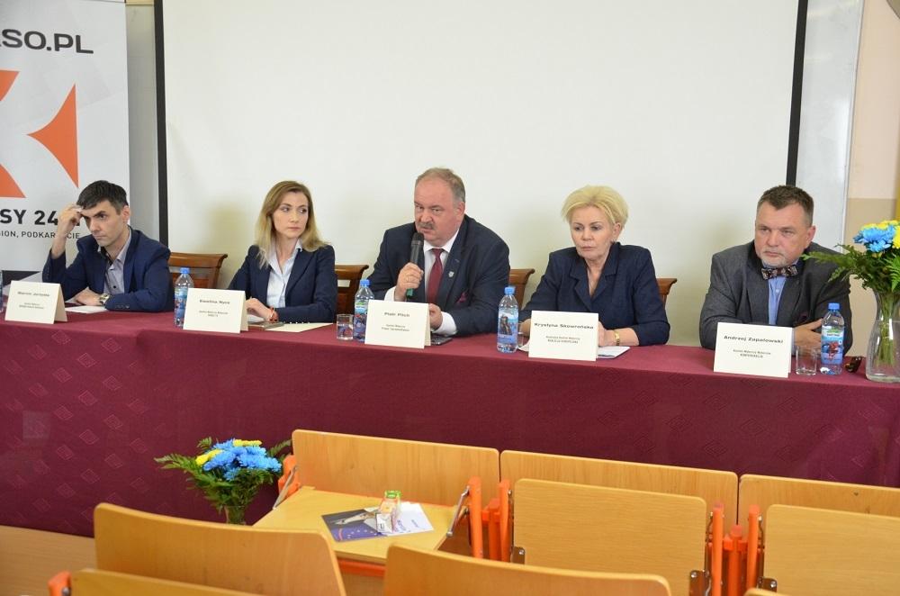 Debata europejska w Mielcu. Kandydaci do PE przekonywali do swojego programu [FOTO, VIDEO] - Zdjęcie główne