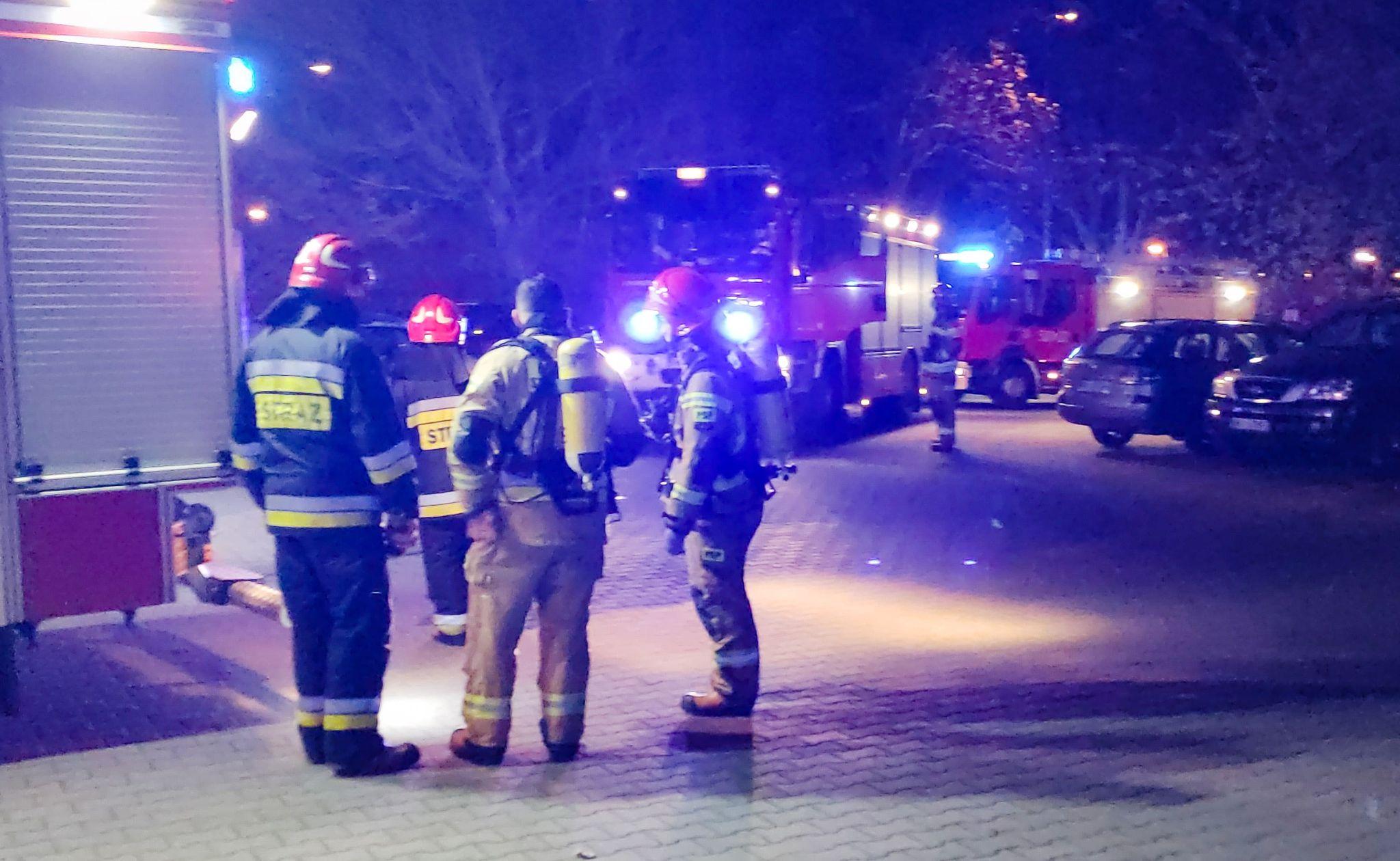 Nocna interwencja służb ratunkowych przy ul. Kusocińskiego [ZDJĘCIA+FILM] - Zdjęcie główne