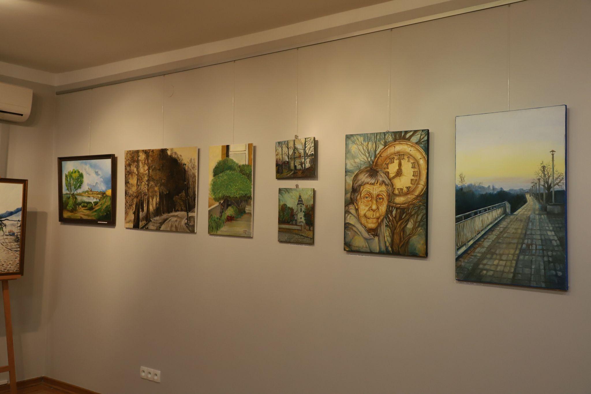 Artyści z regionu prezentują swoje prace w Chorzelowie. Możesz je zobaczyć online [ZDJĘCIA] - Zdjęcie główne