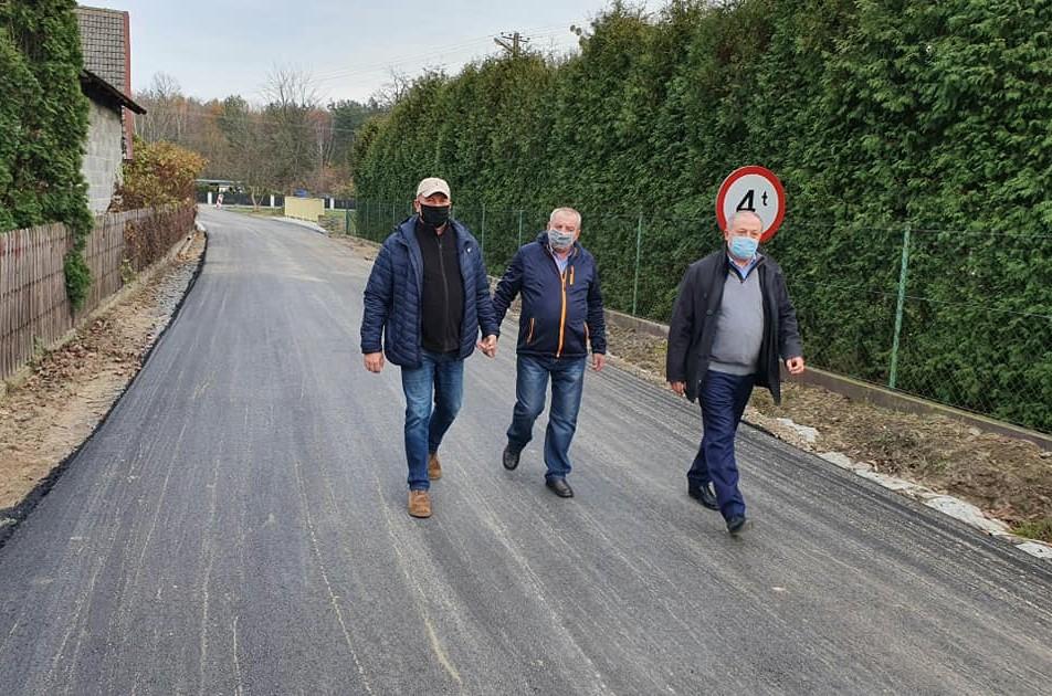 Mieszkańcy Borków Nizińskich mogą już korzystać z nowej drogi i mostu - Zdjęcie główne