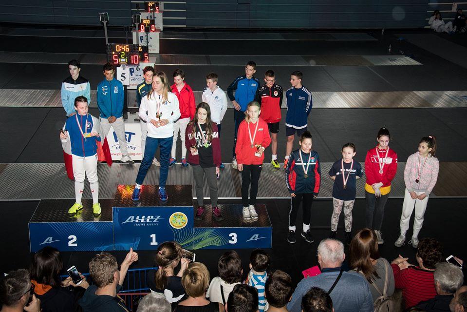 Szermierze z Mielca na zawodach w Budapeszcie. Sukces Marysi Ciszczoń  - Zdjęcie główne