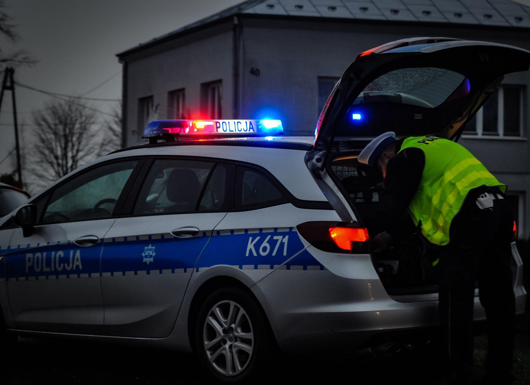 Pijany kierowca spowodował kolizję i uciekł z miejsca zdarzenia - Zdjęcie główne