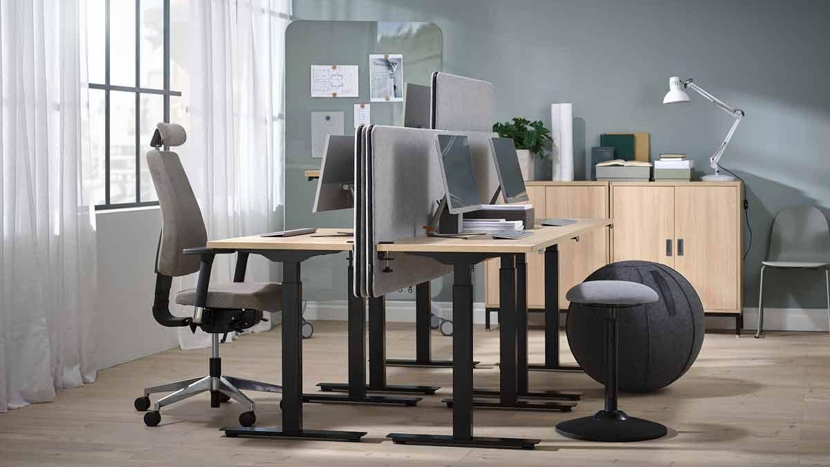 Jakie biurko do biura wybrać, by później nie żałować? Decyzja może być tylko jedna - Zdjęcie główne