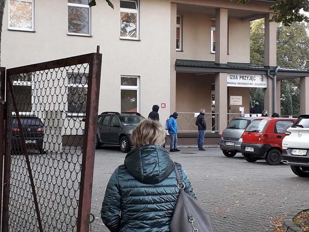 Powiat mielecki przekroczył barierę 2000 zakażonych. Niepokoi ogromna liczba na kwarantannie - Zdjęcie główne