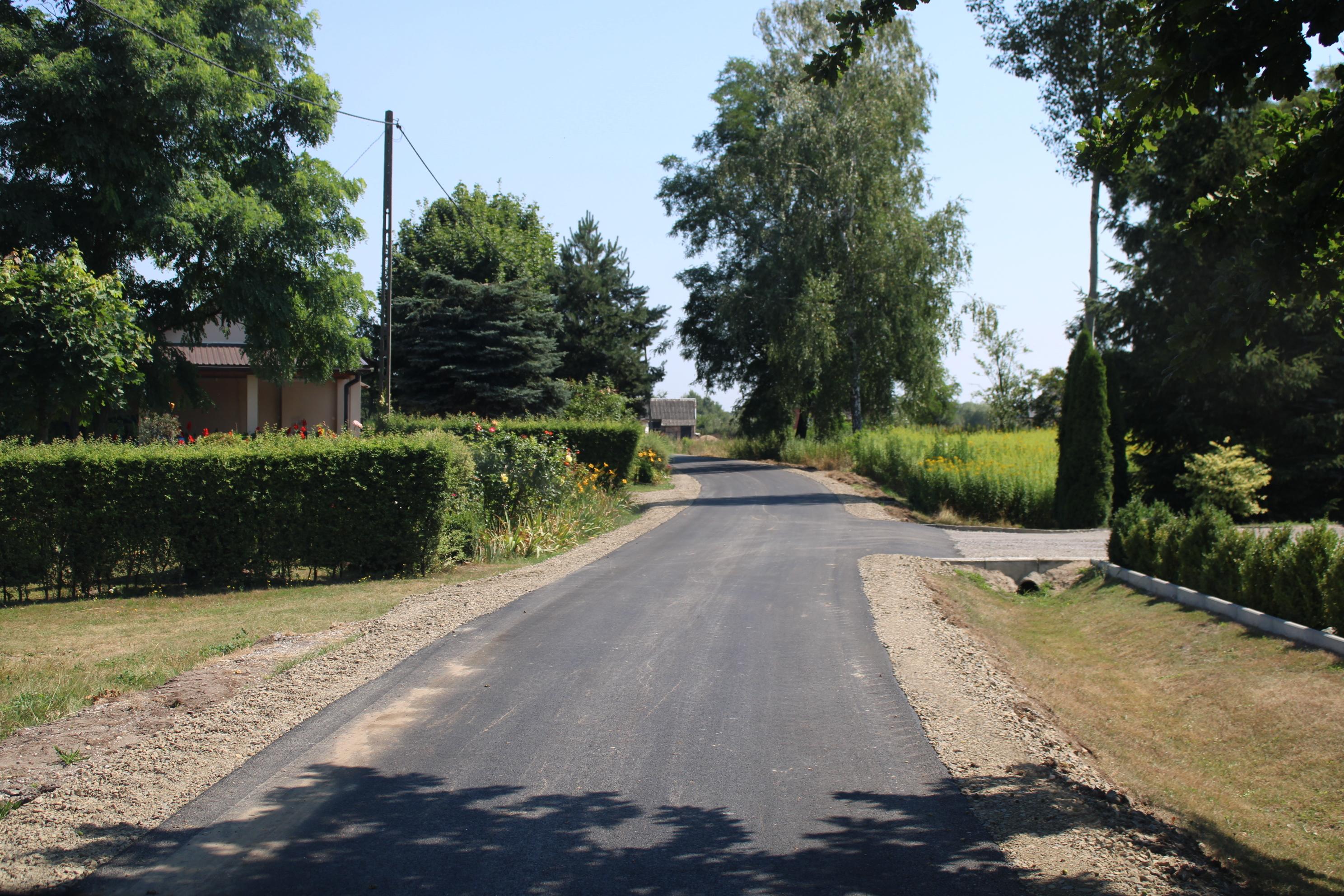Wyremontowano  gminne  drogi w czterech miejscowościach  - Zdjęcie główne