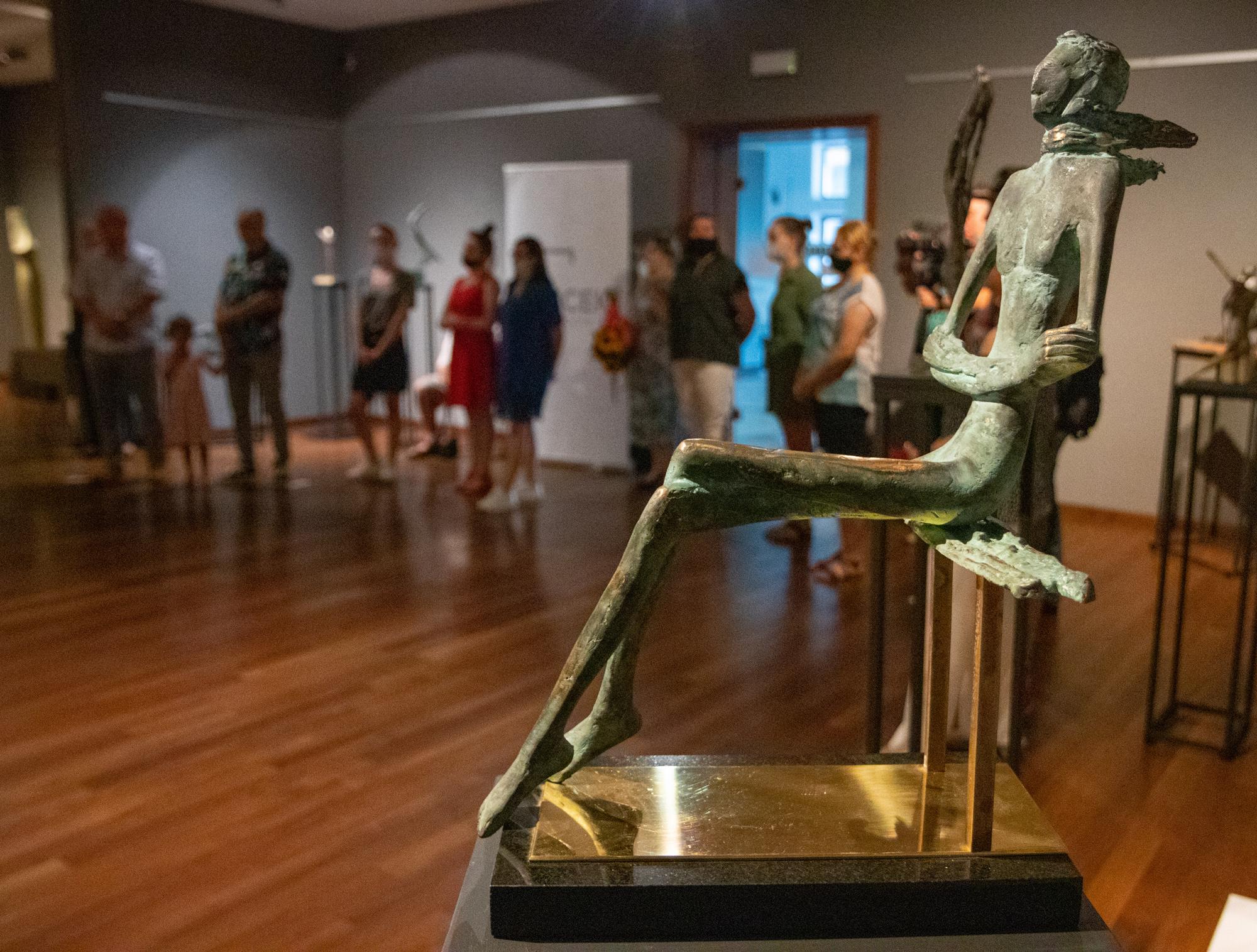 Znana polska rzeźbiarka prezentuje swoje prace w Mielcu!  - Zdjęcie główne