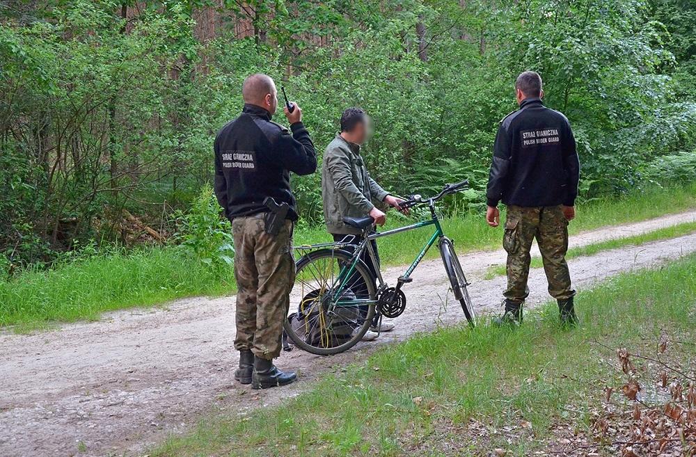 Nielegalnie przekroczył granicę na rowerze - Zdjęcie główne