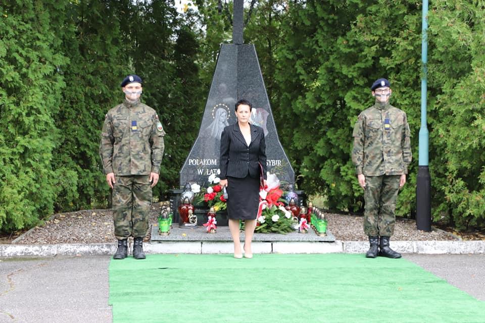 17 września - Światowy Dzień Sybiraka. W Mielcu symboliczna uroczystość przy pomniku sybiraków - Zdjęcie główne