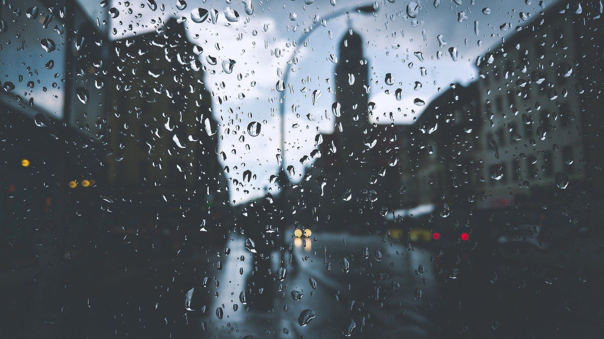 Opłata od deszczu. Mieszkańcy bloków ją również zapłacą - Zdjęcie główne